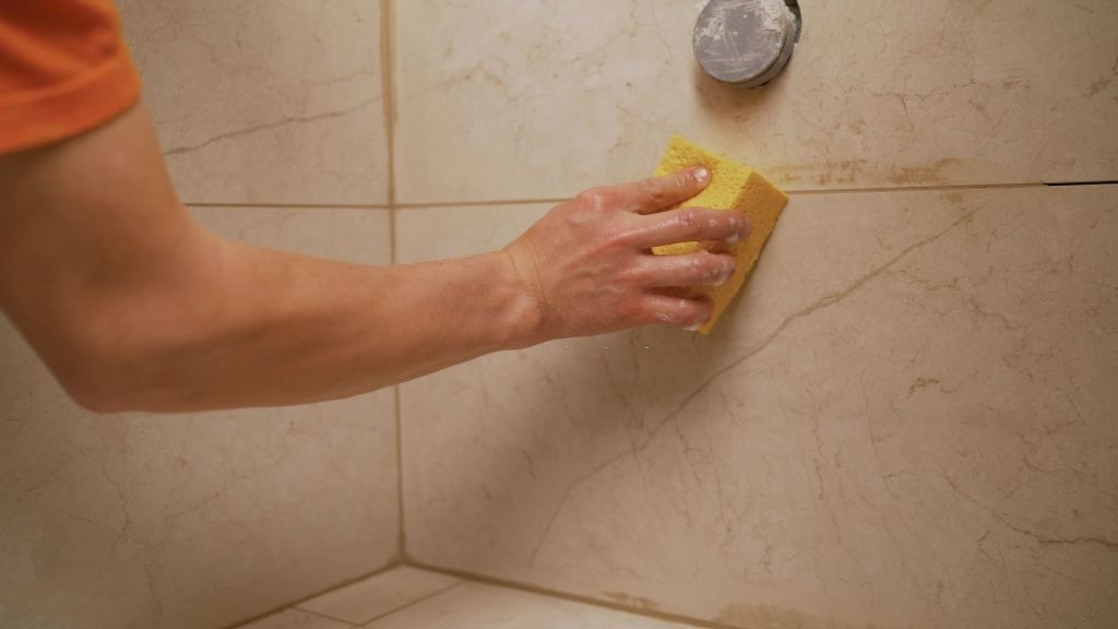 Why Bathroom Tile & Grout Cleaning Service Needs Professional's Assistance